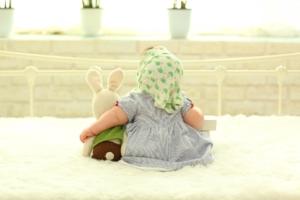 baby-hinteransicht